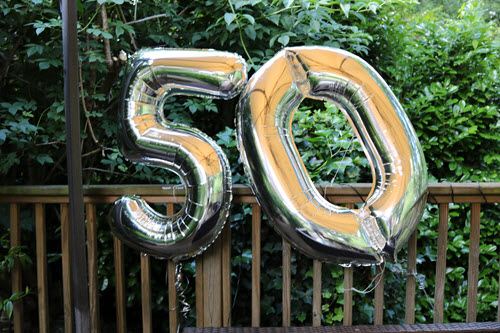 50 balloons big